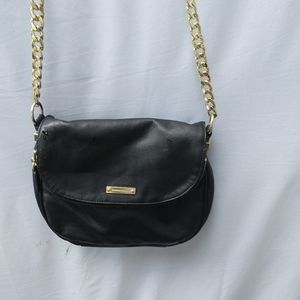 🤐3/$20 Black Leather Banana Republic purse